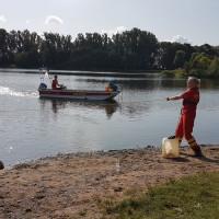 Die DLRG-Kräfte aus Nienburg, Rehburg-Loccum und Uchte suchten mit Tauchern und Sonarbooten nach dem vermissten Angler.